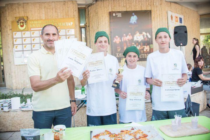 Талантите от VIVACOMCUP с купа от Кулинарна олимпиада