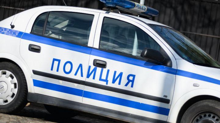 Хванаха възрастен шофьор с нерегистриран автомобил в Синя вода