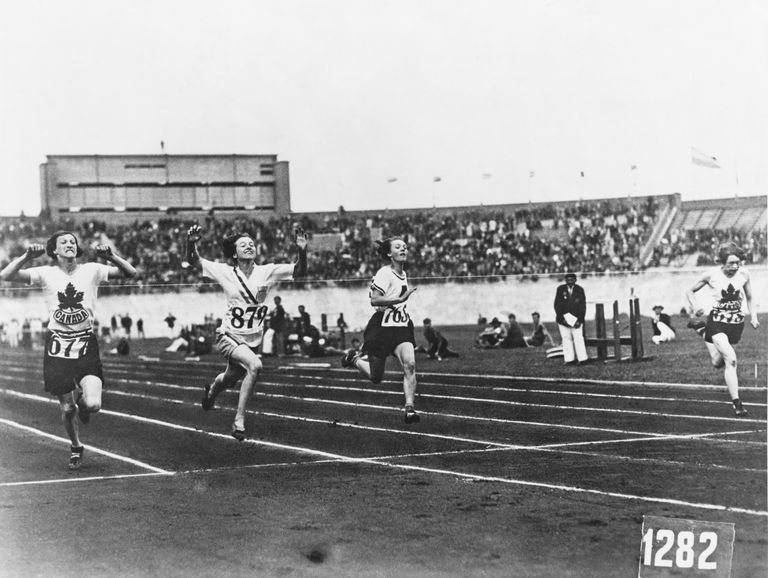 """""""Покойничката"""" Бети Робънсън, шашнала Хитлер на Олимпиадата в Берлин"""