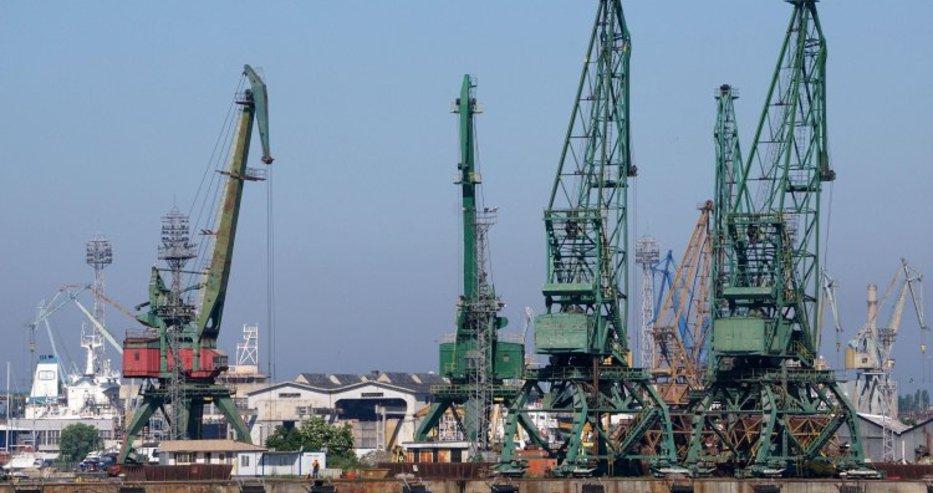 КНСБ иска 2 млн. лева повече за заплати през 2019 г. в Пристанище Варна