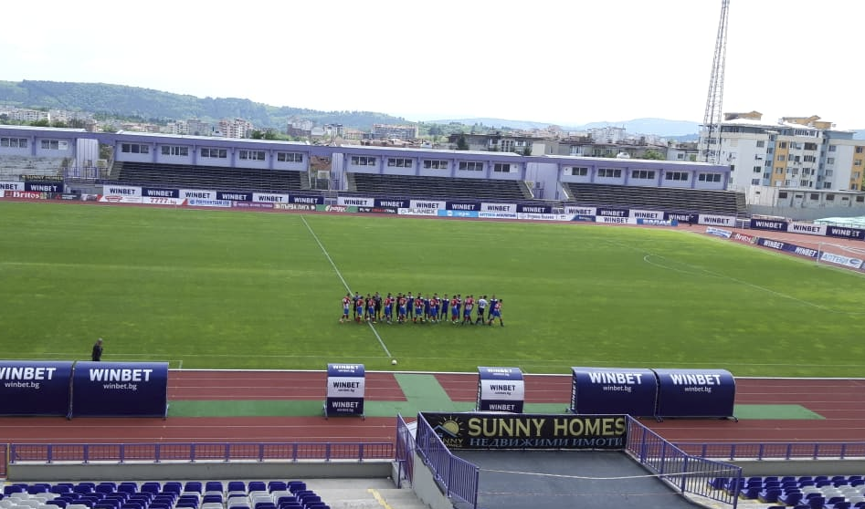 Сокол не се предаде при два гола пасив във Велико Търново
