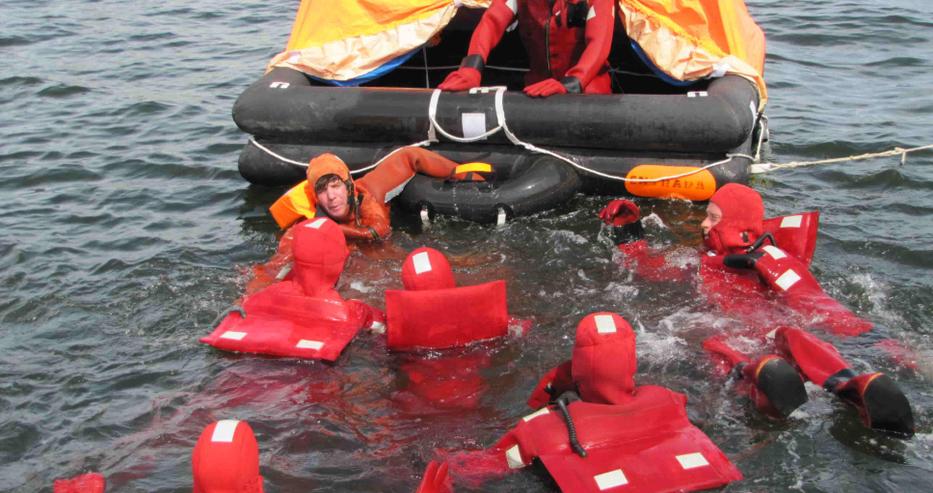 Зловещ сигнал до премиера Борисов: Бедстващите в нашите води моряци да разчитат само на Господ