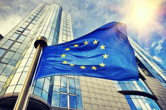 От днес влизат в сила по-ниските цени за международните разговори с други страни от ЕС