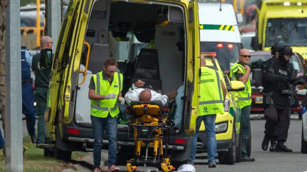 Въоръжени атаки срещу две джамии в Нова Зеландия, има жертви (ВИДЕО+СНИМКИ)