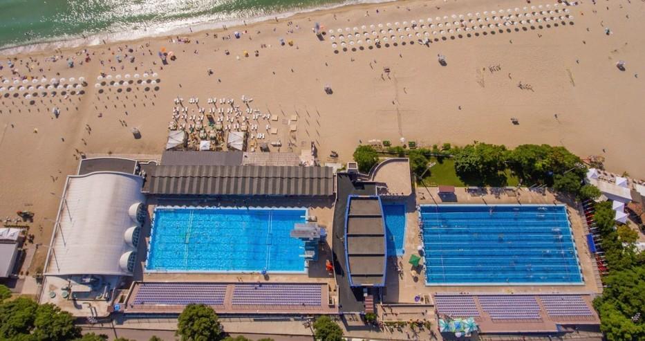 Туристическият сезон във Варна започва официално утре, началото ще е с лазерно шоу на басейна
