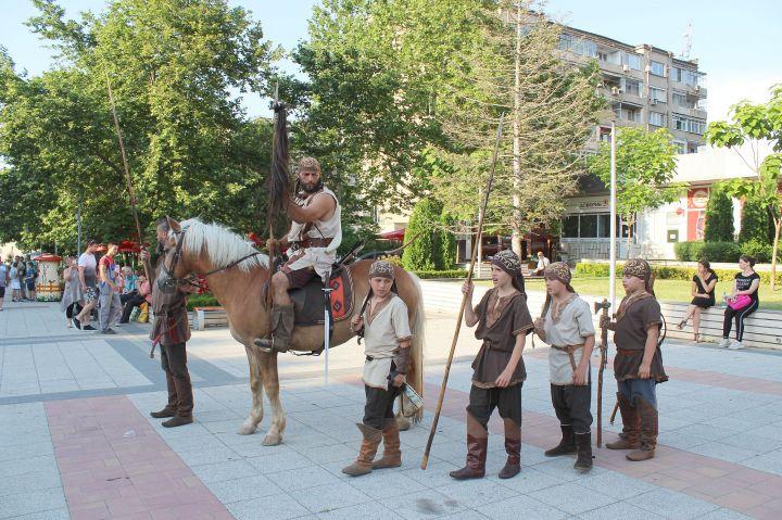 """Тази вечер бе откриването на историческия фестивал """"Абритус"""""""