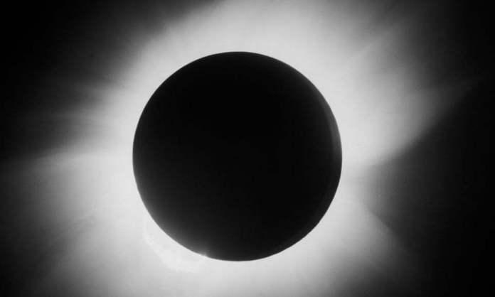 100 години по-късно: снимката, която промени нашата представа за Вселената