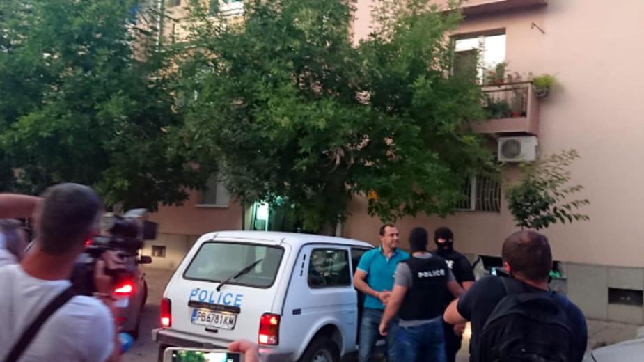 Ральо Ралев стопил 6 килограма в ареста, агитка подкрепя райкмета в съда