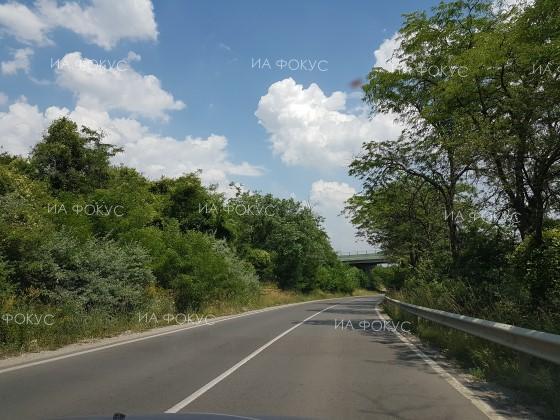 АПИ: От 08.00 до 17.00 часа движението по пътя Асеновград - Чепеларе ще се ограничава поетапно за отстраняване на камъни от скатовете