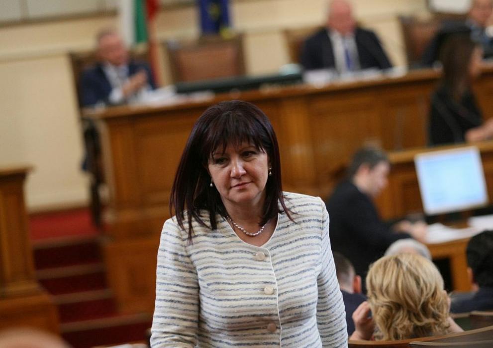 Караянчева ще присъства на церемонията в Пловдив