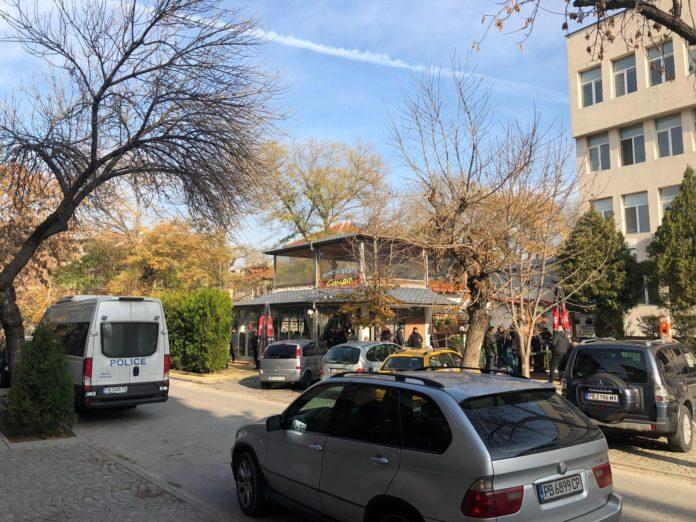 СНИМКИ: Бултрасите изненадоха полицията с избора на сборен пункт