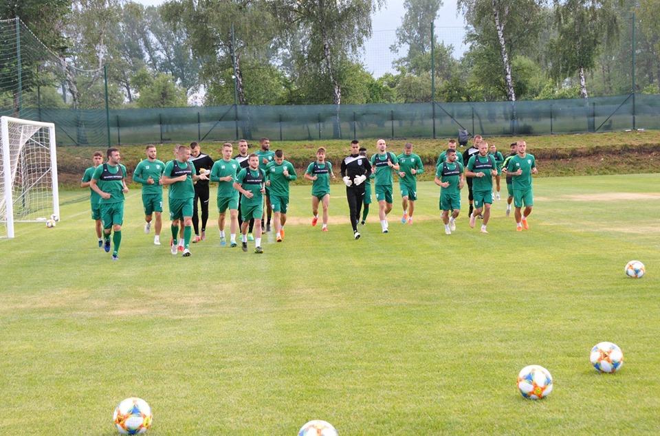 Част от юношите, които водят подготовка с първия тим на Берое взеха участие в първата контрола