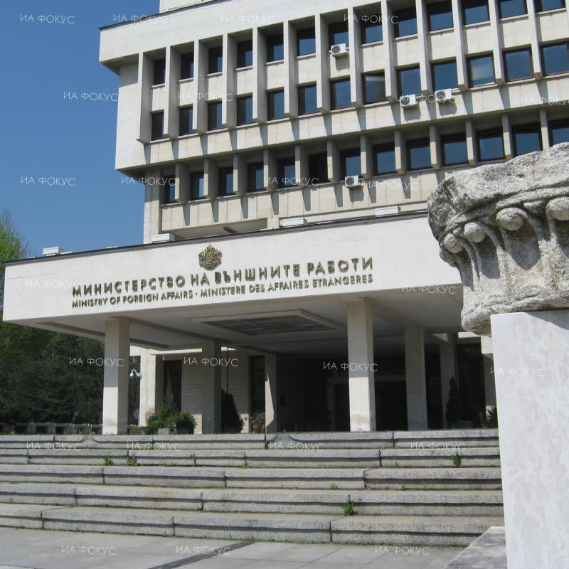 МВнР: Влизат в сила нови наказания за нарушения на правилата за движение по пътищата в Гърция