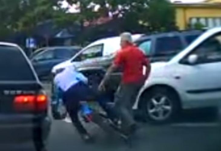 Невиждана по жестокост агресия в Казанлък заради подпиране на кола (ВИДЕО)