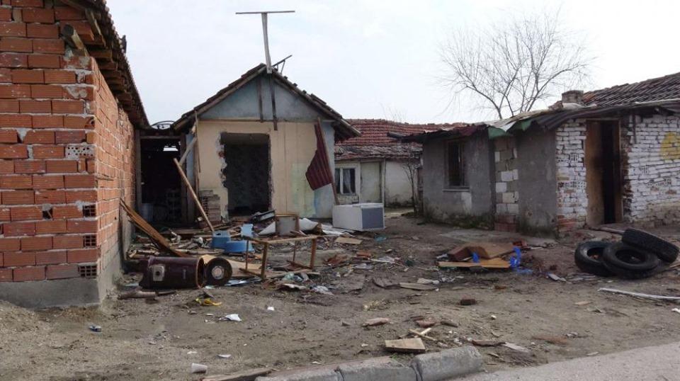 Те живееха нелегално във Войводиново. Те сега съдят България – 59 иска от роми в Страсбург!