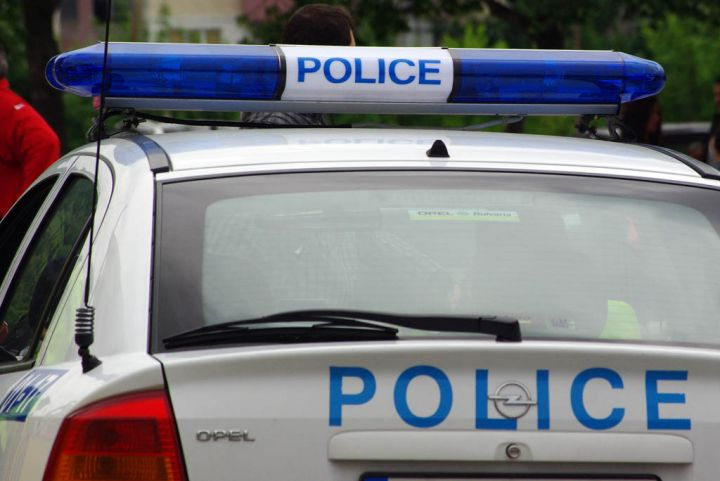 Хванаха 54-годишен шофьор без книжка