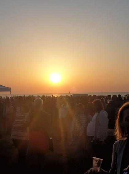Добрич: Хиляди привърженици на Джулай морнинг се събраха на Камен бряг, за да посрещнат първото юлско утро