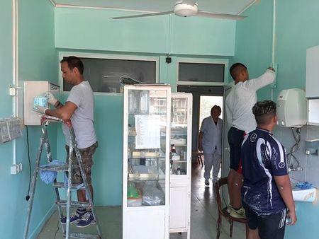 Роми дариха материали и обновиха с доброволен труд детското отделение на болницата