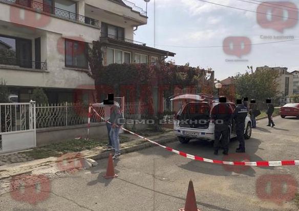 СНИМКА: Свирепо убийство на жена в Сарафово - удряна е 10 пъти с чук и удушена с възглавница