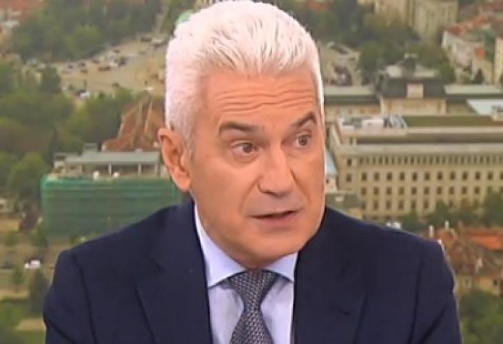 Сидеров коментира драмите с ВМРО и килограмите на Каракачанов