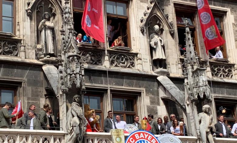 Байерн отпразнува 12-и дубъл, две емблеми на клуба се сбогуваха (ВИДЕО)