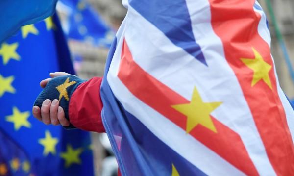 Brexit: Документите за развод готови, на ред е парламентът